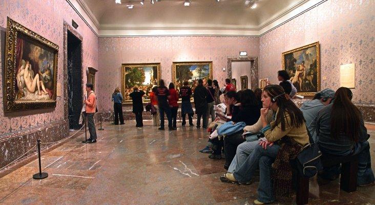 Visitantes en el Museo del Prado, en Madrid