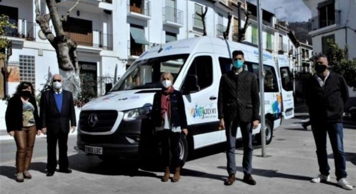 El Ayto. de Lanjarón (Granada) compra un bus para trasladar gratis a turistas al balneario | Foto: Rafael Vílchez