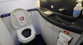 India multará a los aviones que arrojen excrementos durante el vuelo