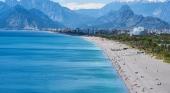 Más competidores para España: Turquía priorizará al personal turístico en la vacunación
