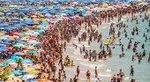 España recibirá a 30,4 millones de turistas este verano