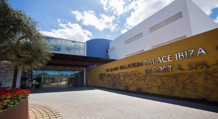 Fachada del Hotel Grand Palladium Palace Ibiza Resort & Spa   Foto Palladium