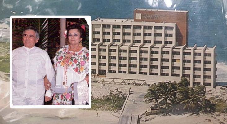 Homenaje a Alberto Bojórquez Pérez por el 50º aniversario de Cancún   En la imagen, Alberto Bojórquez Pérez y su esposa Delfina Patrón. De fondo uno de los primeros hoteles Bojórquez en Isla Mujeres