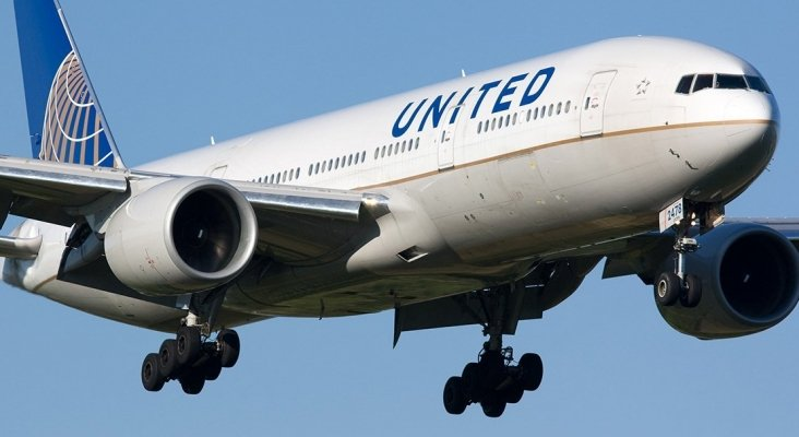 """Demandan a United Airlines por haber ocultado un incidente """"mortal"""""""