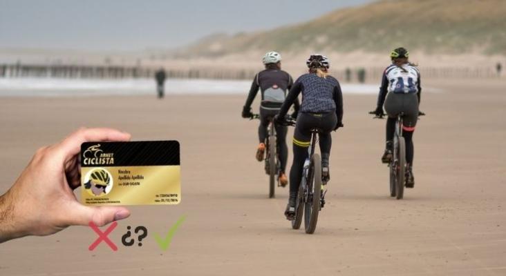 ¿Cómo afectaría la implantación de un carné ciclista al turismo de España? | Fotomontaje ciclo21.com