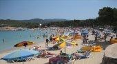 Ibiza congela la plantilla de control turístico pese al aumento del alquiler vacacional