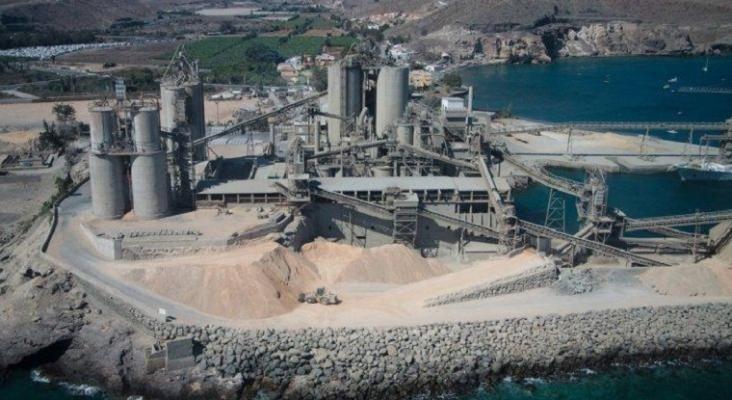Vista aérea de la cementera del puerto de Santa Águeda, San Bartolomé de Tirajana (Gran Canaria)