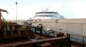 Graban un ferry arrasando un muelle de las Palmas de Gran Canaria