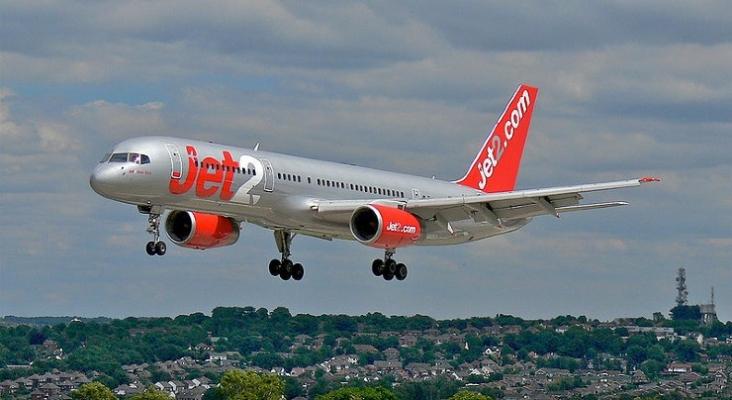 Jet2 adelanta el inicio del verano 2022 en Menorca | Foto de 54north, CC BY SA 3.0 (Wikimedia Commons)