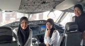 Un vuelo con una tripulación totalmente femenina toma tierra por primera vez en Arabia Saudí
