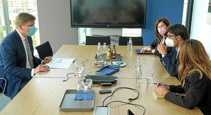 Jens Bischof, CEO de Eurowings (Lufthansa), en la reunión con Rosana Morillo y Iago Negueruela | ultimahora.es