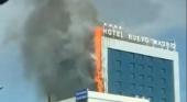 Un incendio arrasa parte de la fachada del Hotel Nuevo Madrid | Foto: Twitter Fátima Iglesias