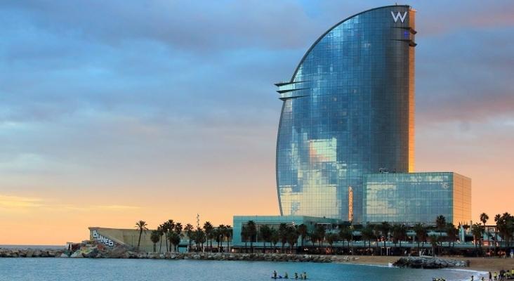 El Tribunal Constitucional valida el impuesto catalán para estancias en hoteles y cruceros