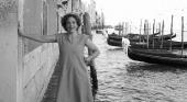Jane Da Mosto, la bióloga que protesta contra los cruceros en Venecia desde su barca a remos |Fotografía points-of-contact.com