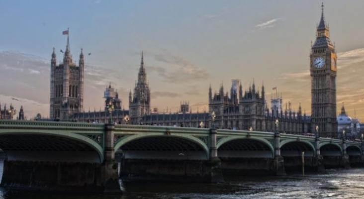 TUI, IAG y Ryanair emprenderán acciones legales contra el gobierno británico