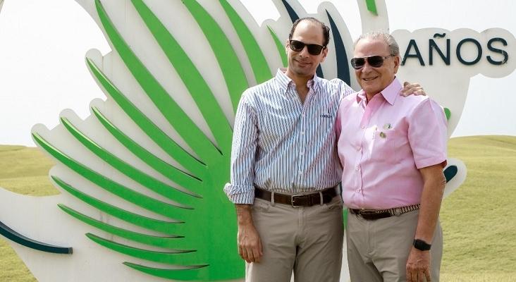 Frank Elías junto a su padre Frank Rainieri