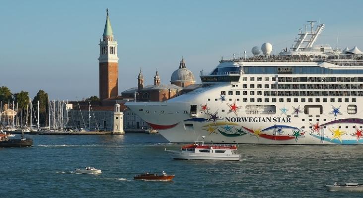 Italia prohíbe definitivamente el paso de los cruceros por el centro de Venecia