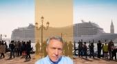 Arturo Crosby y de fondo un crucero en Venecia