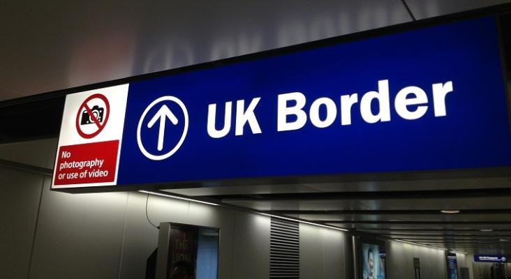 Menos colas en aduanas de aeropuertos británicos para los turistas que regresen de España   Foto: David McKelvey (CC BY-NC-ND 2.0)