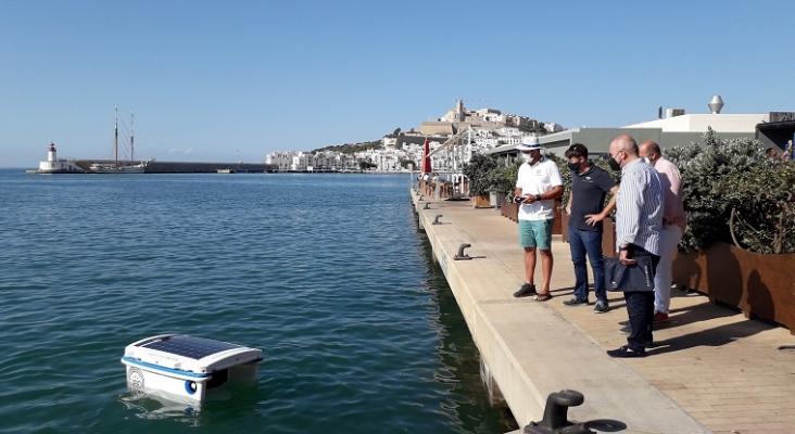 Los puertos de Ibiza y Mallorca implantan un robot aspiradora para la limpieza del agua