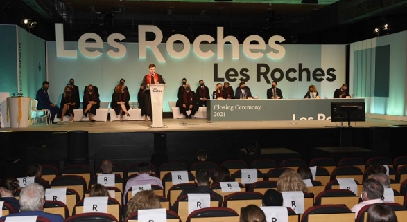 Les Roches Marbella celebra su primera graduación presencial tras la pandemia