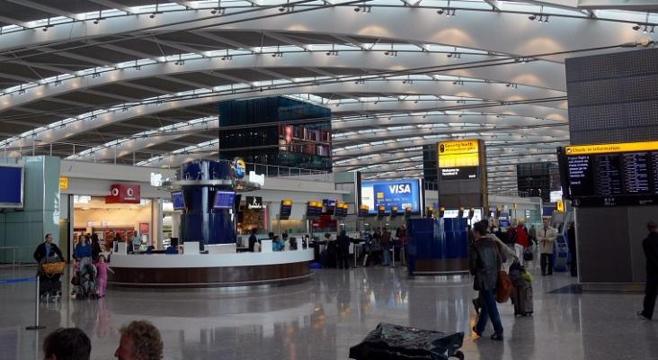 La crisis Covid-19 le cuesta el puesto a tres altos cargos del Aeropuerto de Londres – Heathrow Foto: Fingalo Christian Bickel (CC BY-SA 2.0 DE)