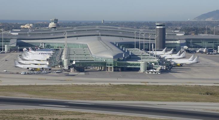 El Gobierno invertirá 3.300 millones en las ampliaciones de los aeropuertos de Barajas y El Prat   Foto: Aena