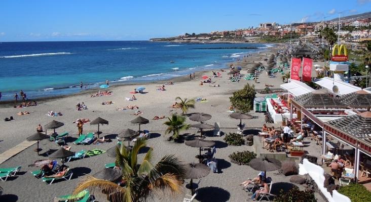 España recibe 2,2 millones de turistas en junio, casi 10 veces más que en 2020