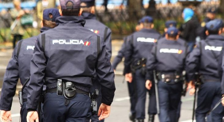 Agentes de la Policía Nacional Foto Contando Estrelas (CC BY SA 2.0)