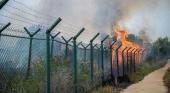 Arden las inmediaciones de una finca clave para ampliar el Aeropuerto de Barcelona |Foto: El Periódico