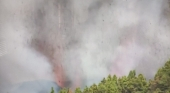 Se producen primeros desvíos de vuelos tras la erupción explosiva en La Palma