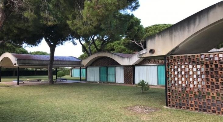Casa Gomis en La Ricarda. Foto de Wikimedia Commons (CC BY SA 4.0)