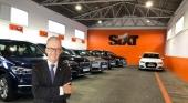 """""""Los clientes buscan libertad con los coches de alquiler"""". Estanislao de Mata Pérez y de fondo foto de motoraldia7.com"""