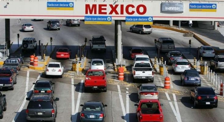 Estados Unidos reabrirá las fronteras terrestres con México y Canadá para turistas vacunados. Foto de dospuntosrevista.com
