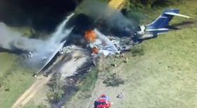 Los 21 pasajeros del MD87 estrellado en Texas (EE. UU.) sobreviven al accidente