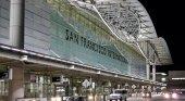 Adolescente salta de un avión en marcha | Aeropuerto de San Francisco