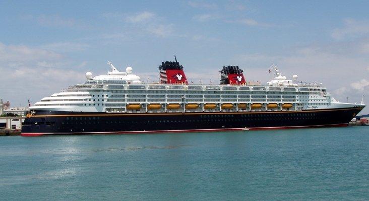 El Disney Magic colabora en el rescate de inmigrantes en Cerdeña