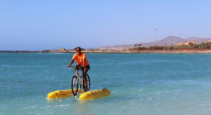 Bicicleta acuática en Fuerteventura