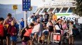 Pasajeros en el puerto de Vigo