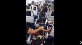 Turbulencias generan pánico en los pasajeros de un avión
