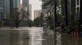 Irma arrasa el principal estado turístico de EE.UU.