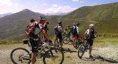 Ciclistas en los Pirineos